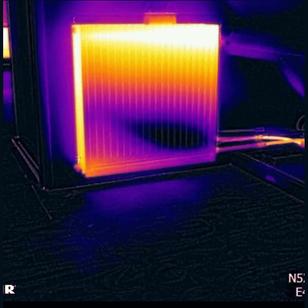 دوربین حراتی روی رادیاتور